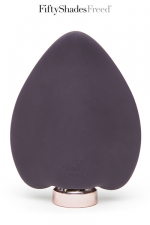 Stimulateur clitoridien - Fifty Shades Freed : Desire blooms est un vibromasseur rechargeable en silicone, spécialement créé pour la stimulation du clitoris.